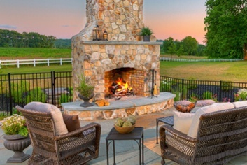 Fireplaces-and-Firepits