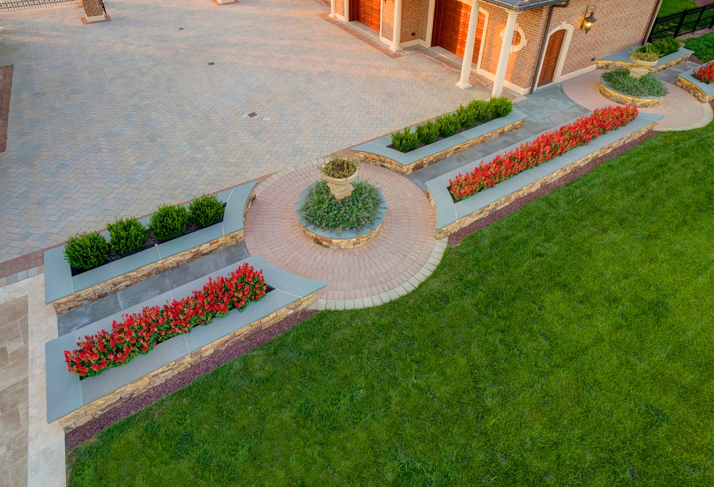 ETW-Taylor-driveway-circle-patio-planter-seat-wall-33
