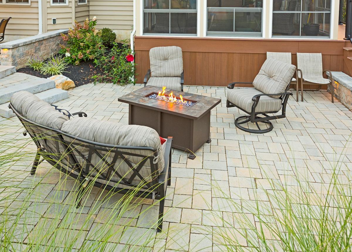Patio and screen porch landscape design Ephrata, PA