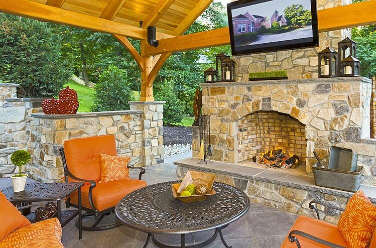 Fire pit designs and outdoor fireplace ideas for your Reading, York or Lancaster, PA home.