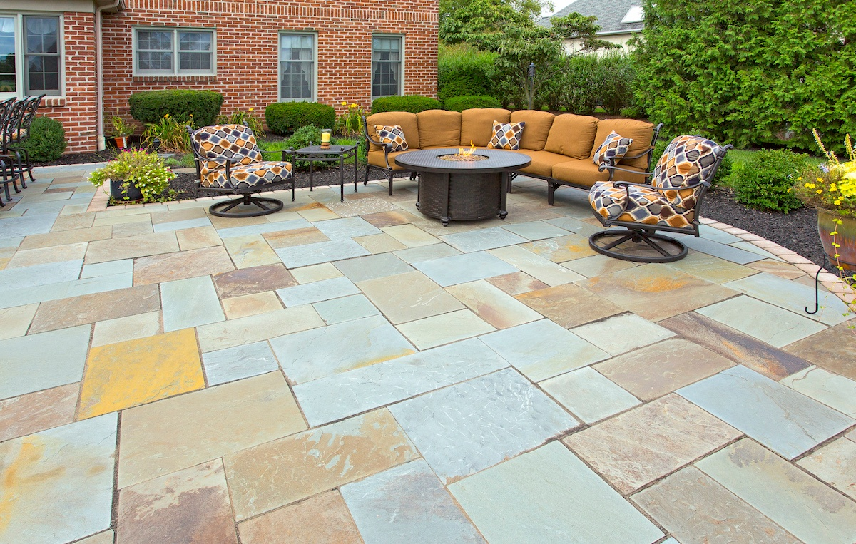 flagstone patio in York, PA designed by Earth Turf & Wood
