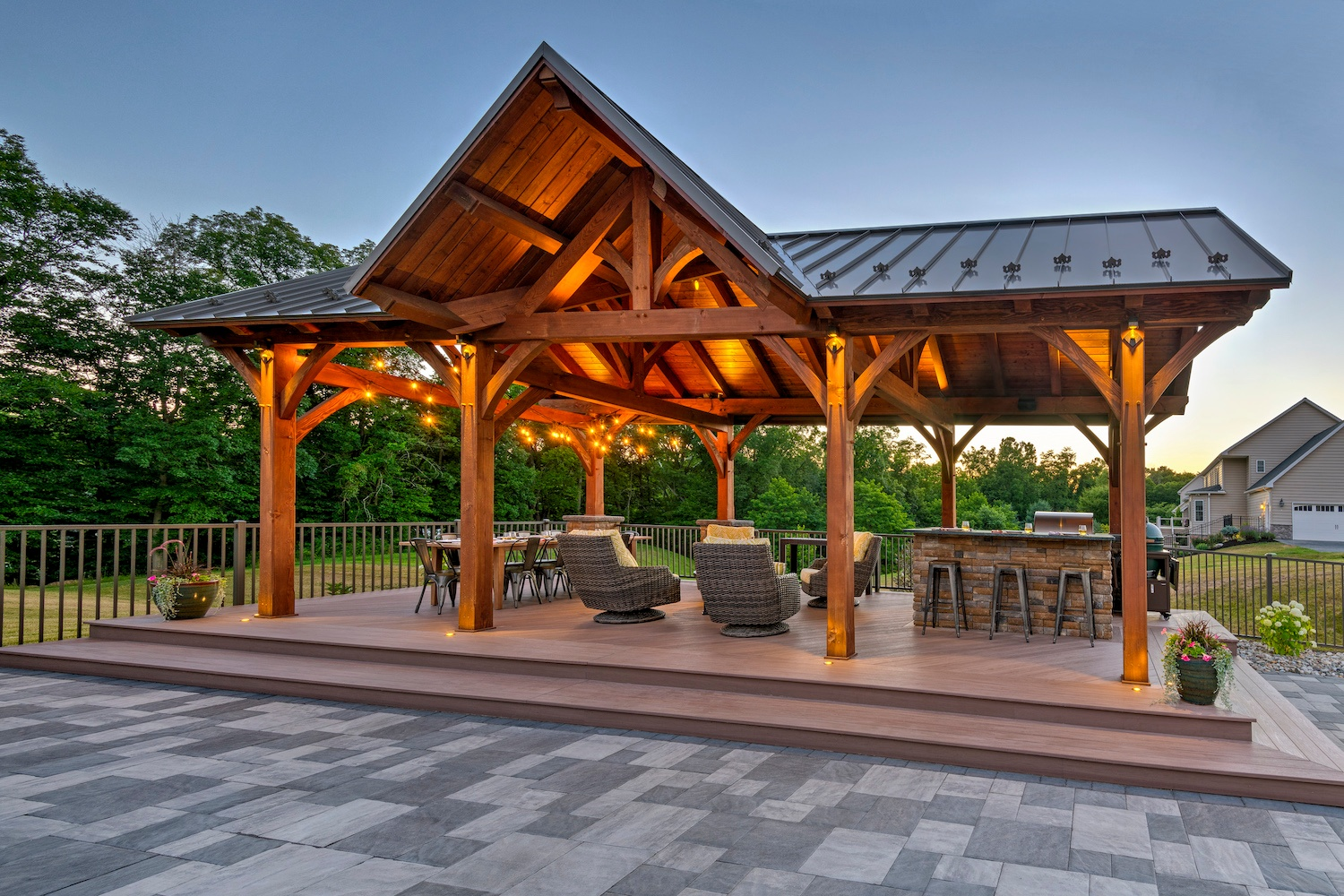 patio-pavilion-fence-outdoor-kitchen-1