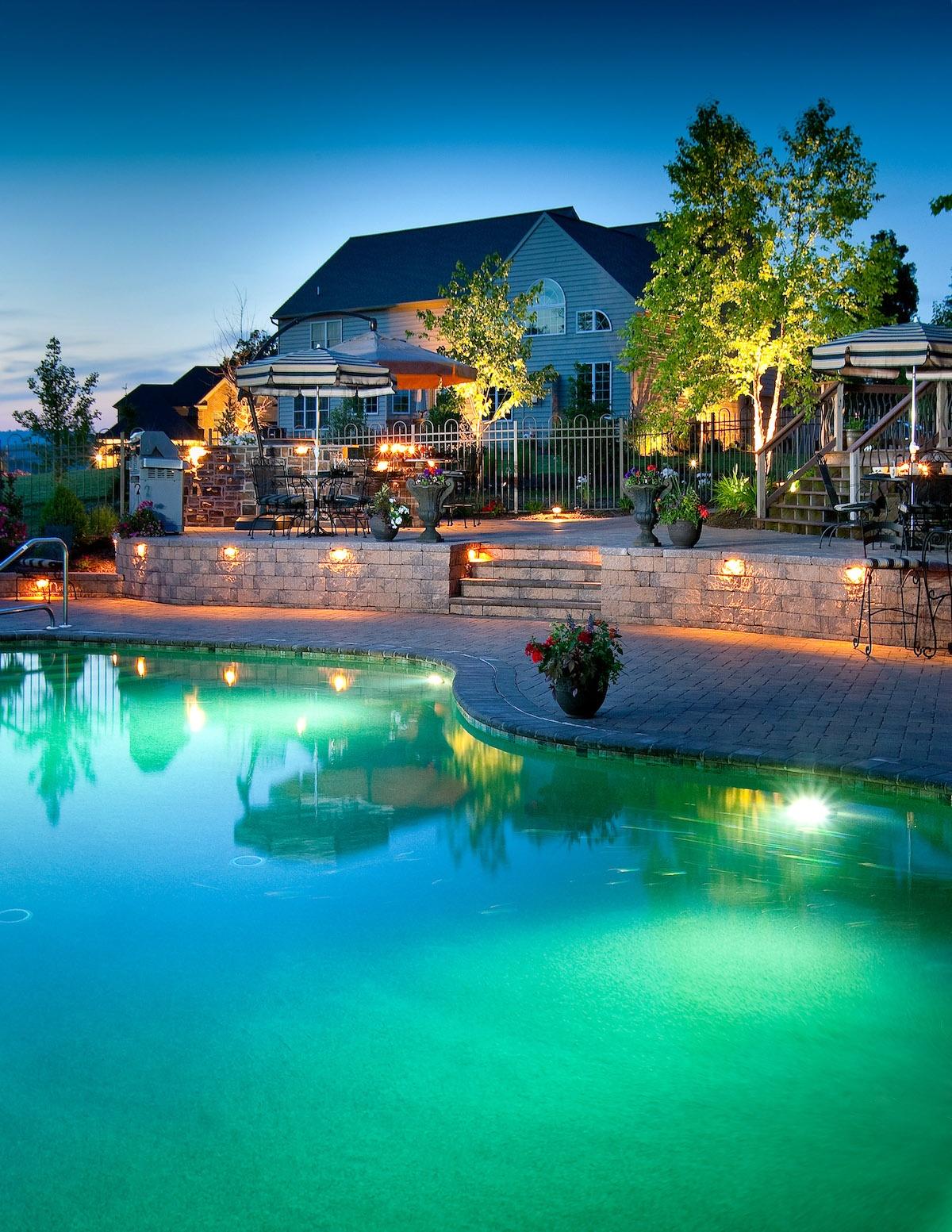 Hollander-spa-pool-patio-wall-steps-lighting-2