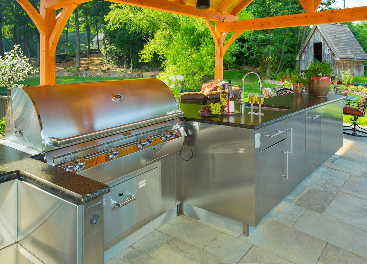 Outdoor kitchen grill and appliances