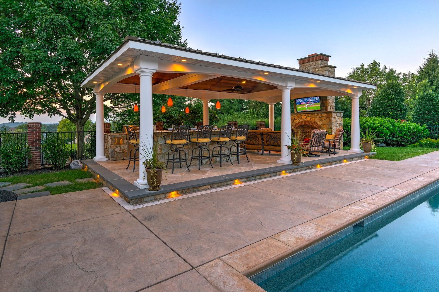 outdoor-kitchen-pavilion-pool-fireplace-07