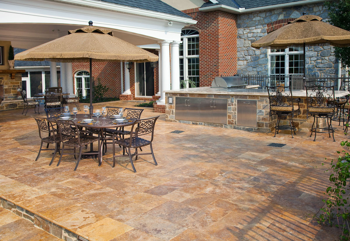Kreider-outdoor-kitchen-patio-1