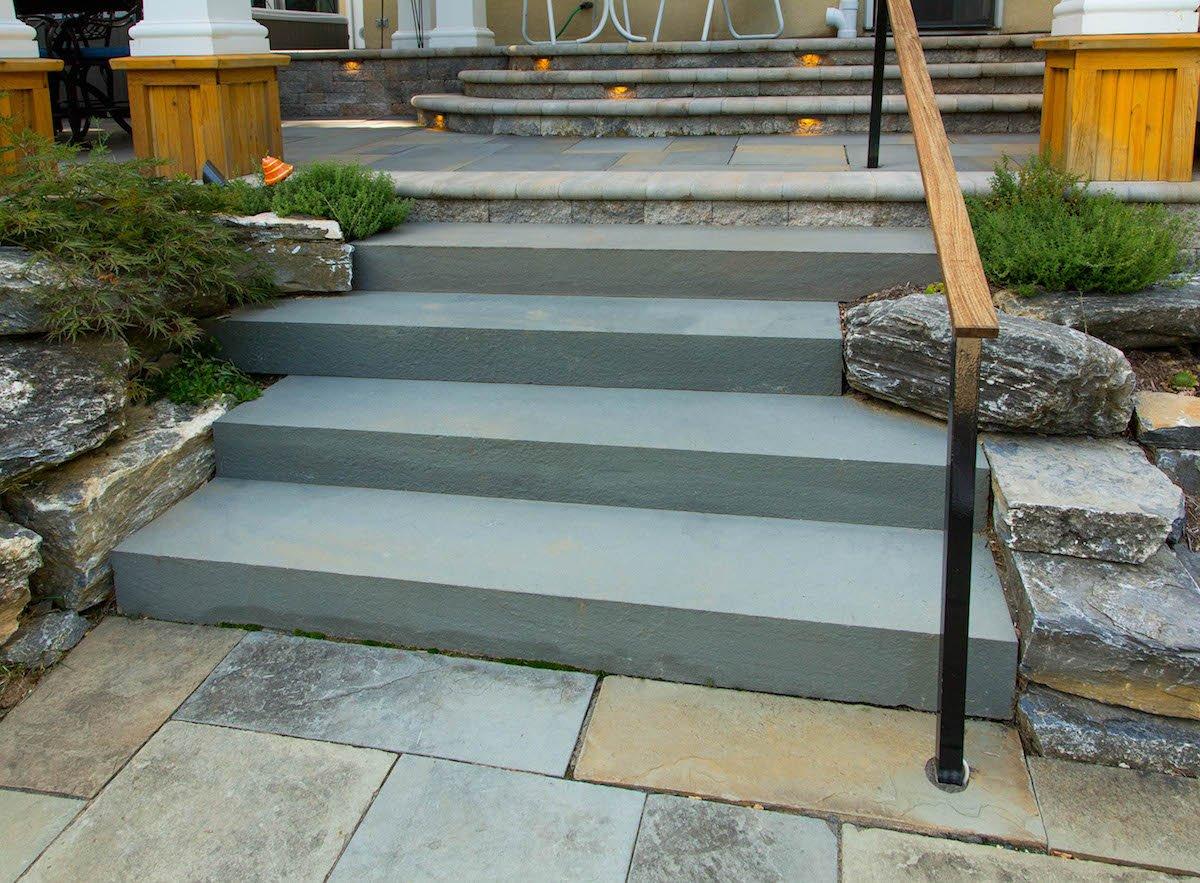 Loss-patio-steps-lighting-2