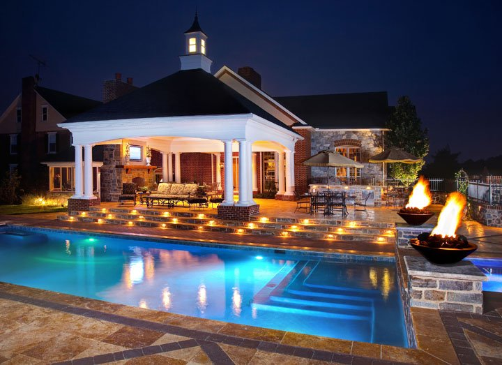 Professional andscape lighting services in Lancaster, PA and Hershey, York and Reading.