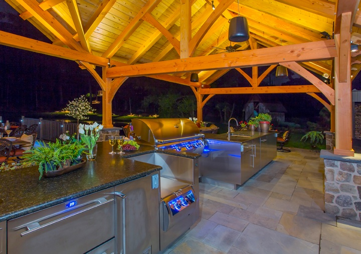 Outdoor-Lighting-Kitchen-Pavilion