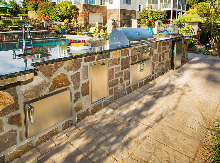 Check out the hottest outdoor kitchen design ideas for your Reading or Lancaster, PA home.
