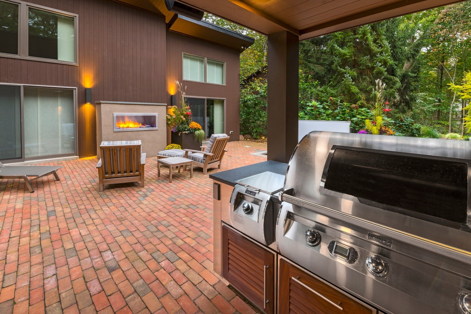 brick patio with outdoor kitchen in Reading, PA