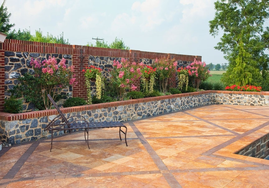 paver patio with banding