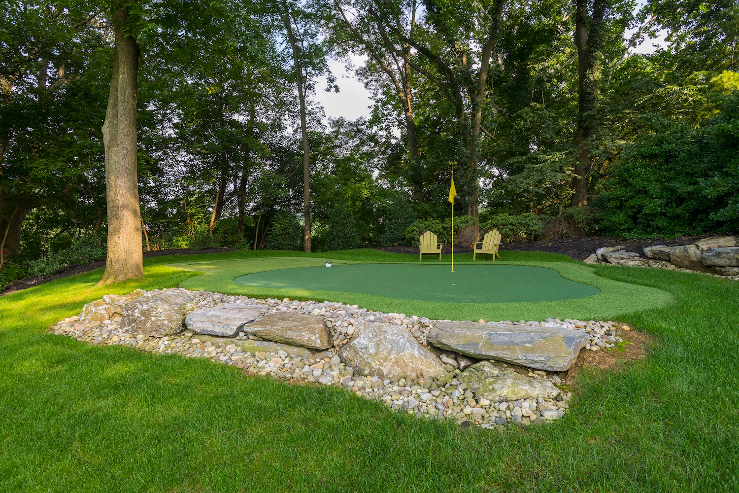 golf green in backyard in Strasburg, PA