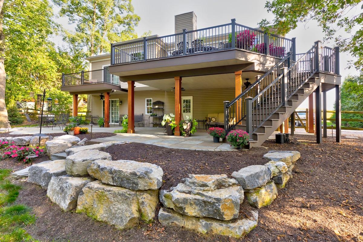 flagstone-patio-boulder-wall-deck