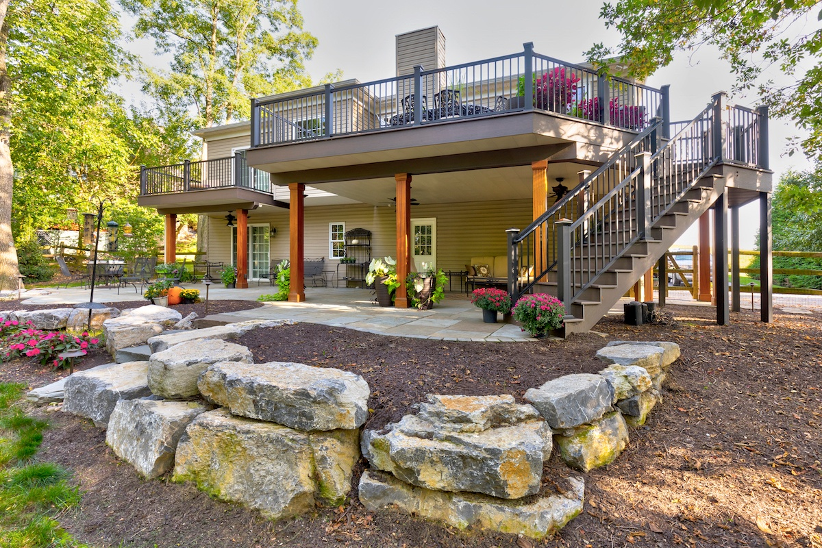 flagstone-patio-boulder-wall-deck