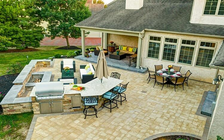 How much does an outdoor kitchen cost prices to expect in for How much does it cost to build an outdoor kitchen
