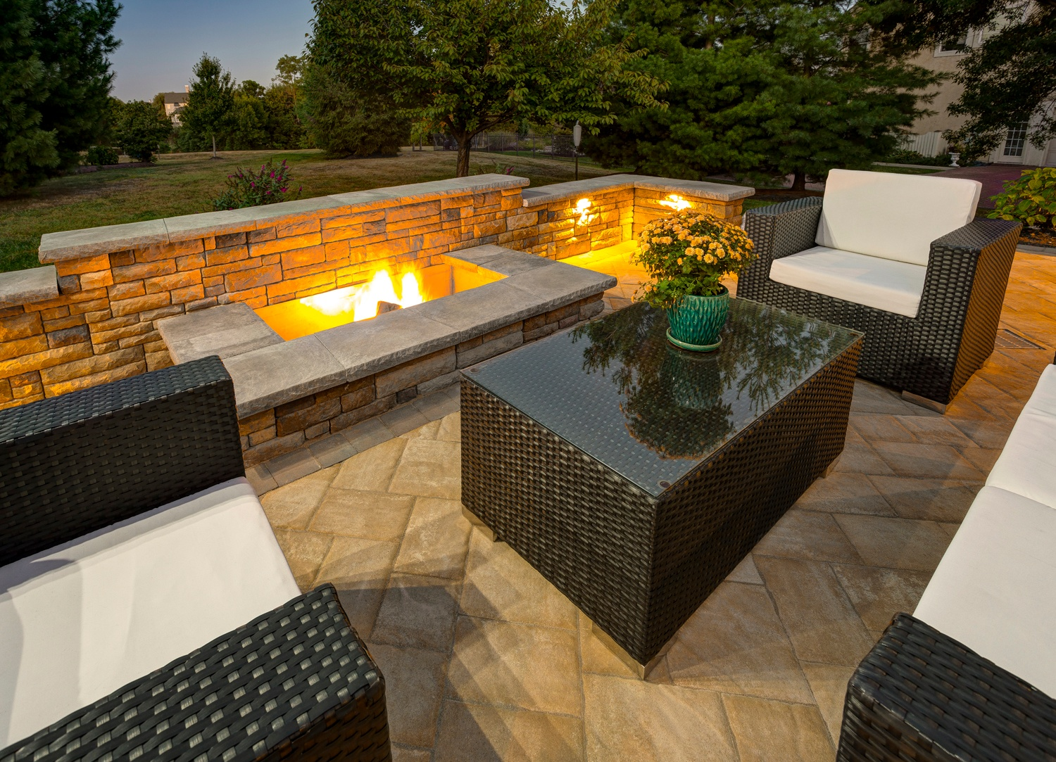 11 of the Hottest Fire Pit and Outdoor Fireplace Ideas and Pictures